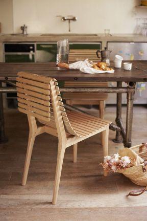 Market, chaise 792€ par Noé Duchaufour Lawrance - Photo ©Ola Rindal